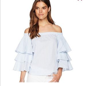 Romeo and Juliet Ruffled Sleeve Top